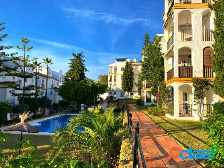 Bonito piso en venta en monte biarritz tres dormitorios dos baños con piscina