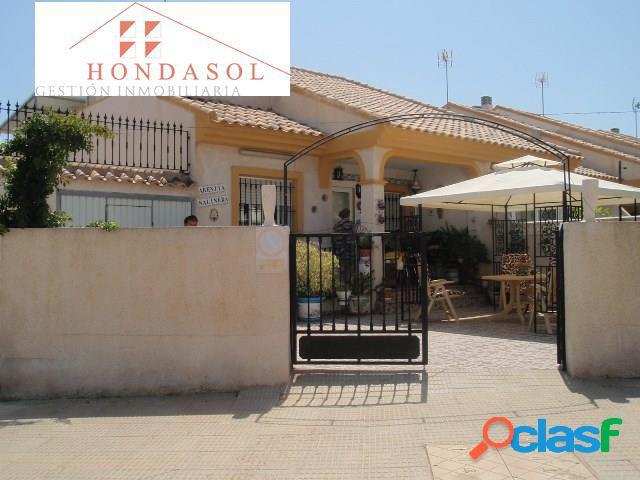 Duplex de tres dormitorios en esquina en Playa Paraíso.