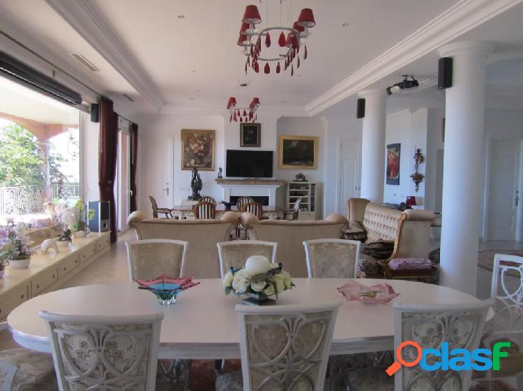 Bajada de Precio!! Villa de lujo de siete dormitorios con espectaculares vistas al mar. 2