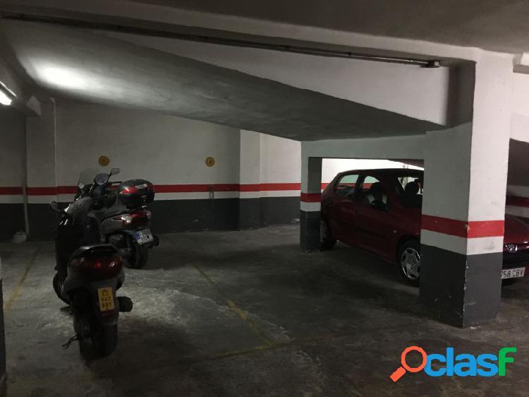Venta de plaza de garaje, coche grande y moto en av. general avilés 18.