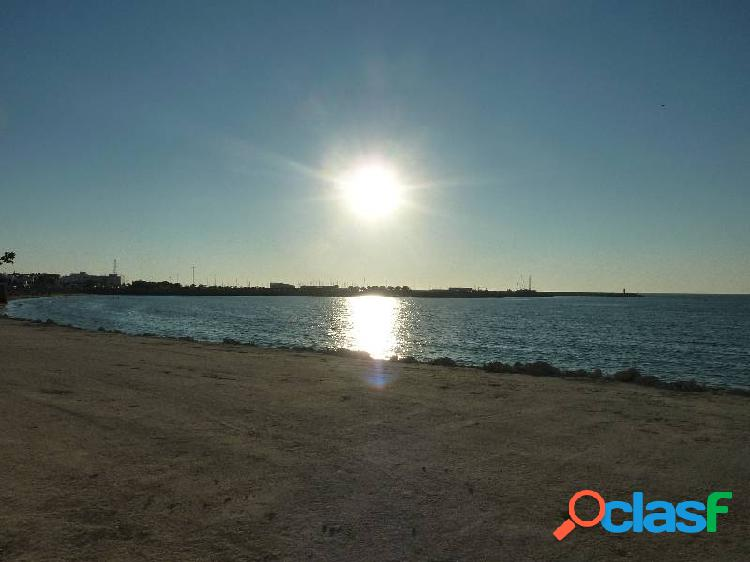 Preciosa finca de recreo situada en primera linea de costa junto al puerto deportivo de chipiona.