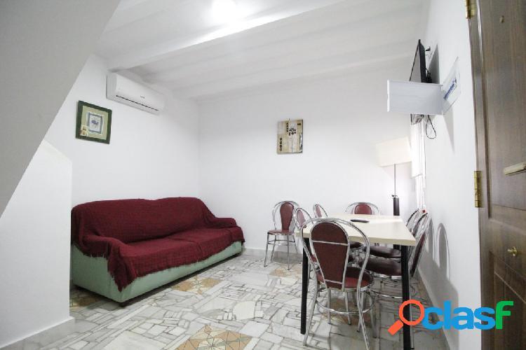 Duplex situado cerca de la playa de la cruz del mar - dos dormitorios.