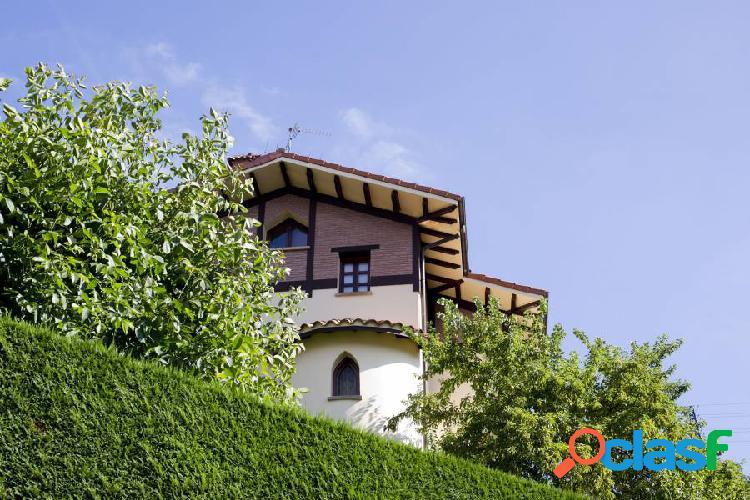 Casa individual reformada en zamakola