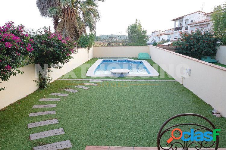 Casa con jardín y piscina sant pere de ribes