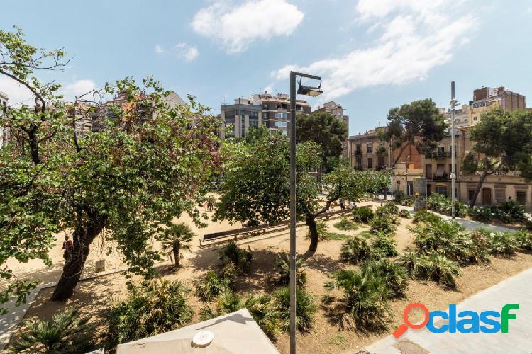 Magnifica vivienda situada en la misma plaza de joanic