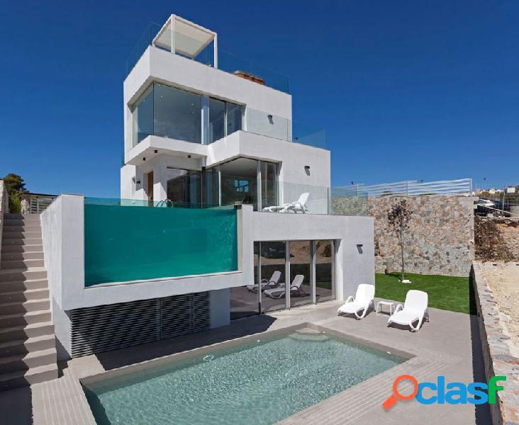 Complejo de 16 villas desde 120 m2 en parcelas entre 500 m2. y 775 m2. vistas espectaculares.