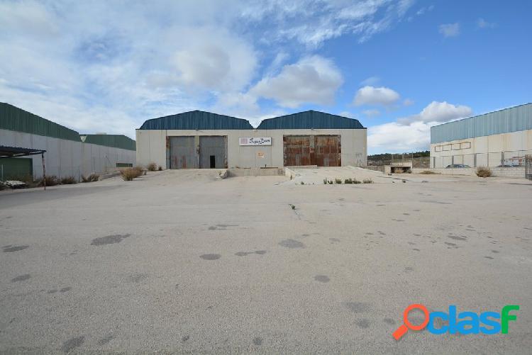 Nave industrial en abanilla, 2.520 m2. de superficie y 5.315 m2. superficie de parcela.