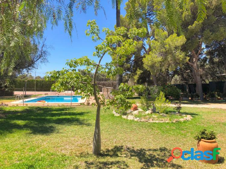 Chalet con piscina privada junto al pau-5