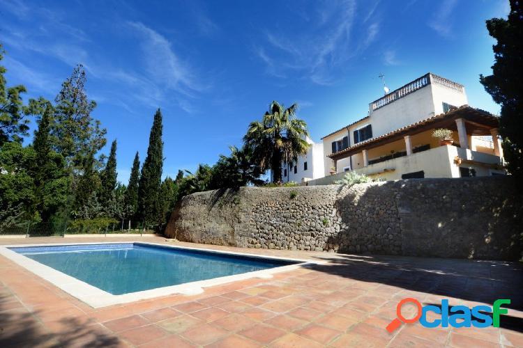 Palma de mallorca,. espectacular villa con gran terreno y piscina