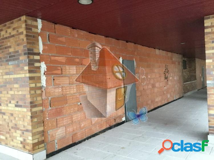 Venta de local comercial de esquina en segunda fase del pau el quiñon (seseña)