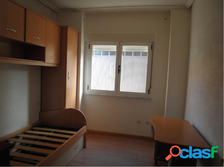 Apartamento de dos dormitorios al lado del ayuntamiento