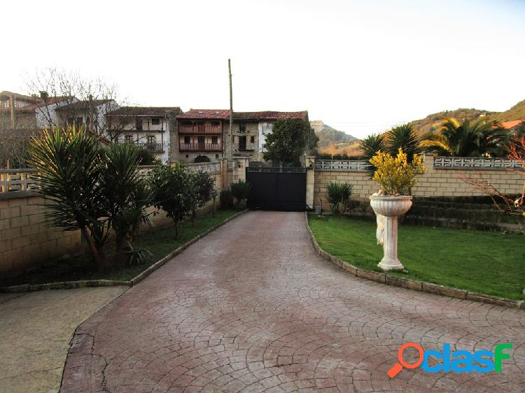 Chalet individual de 5 habitaciones con 1200 m2 de parcela amurallada en liendo (cantabria)