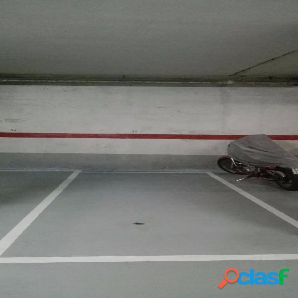 Plaza de garaje para coche y moto en plaza ayuntamiento de mislata