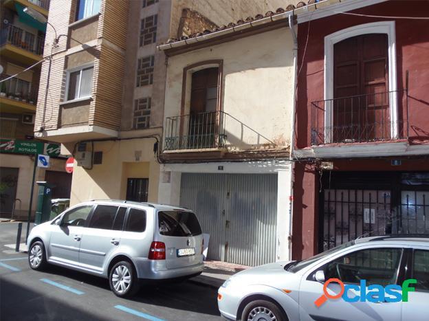 Casa en pleno centro de castellón, junto a avenida rey don jaime