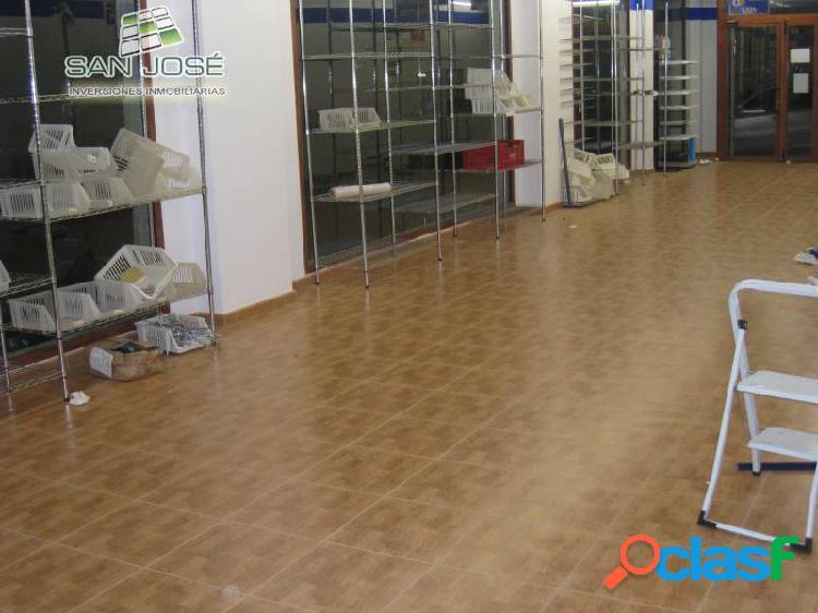 Inmobiliaria San Jose alquila un estupendo local comercial en Aspe Alicante Costa Blanca