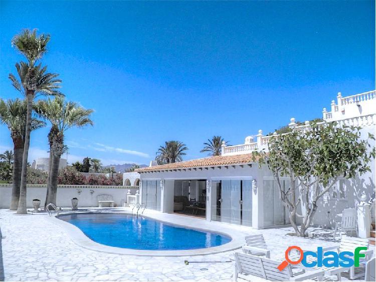 Magnifica villa con acceso directo a la playa