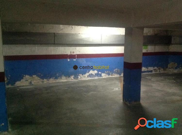 Plaza de garaje abierta, ubicada en zona 2 de mayo, con capacidad para 1 coche y 1 moto.