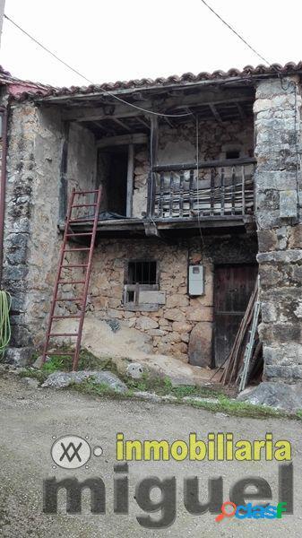 Se vende casa de piedra en andinas, para rehabilitar.