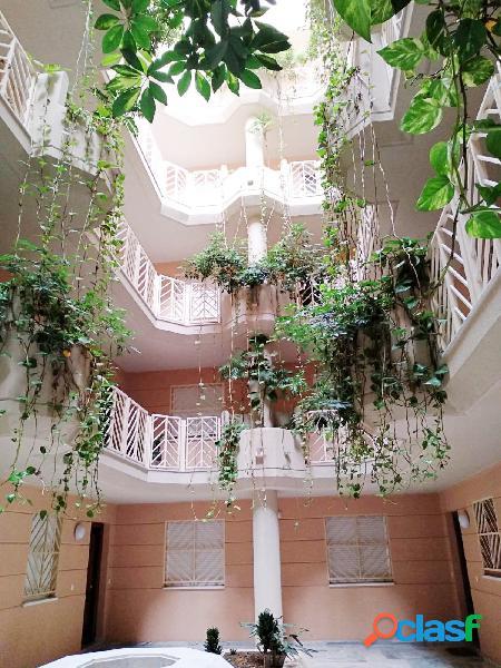 Piso 2 dormitorios en centro arroyo de la miel, terraza y garaje. con piscina comunitaria.
