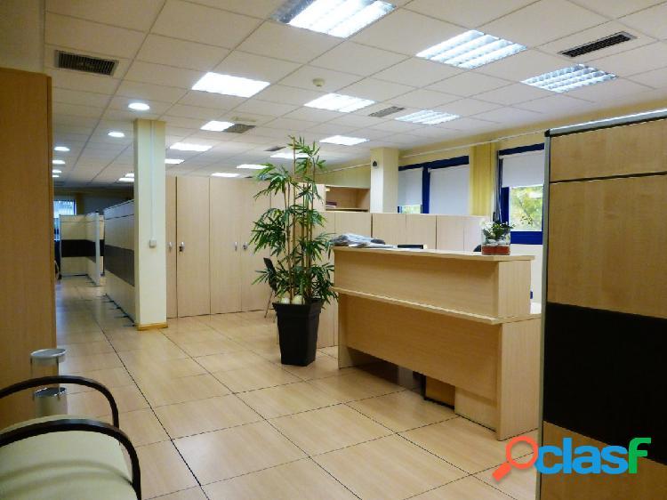 Oficina 220 m2 en alquiler, las rozas-punta galea