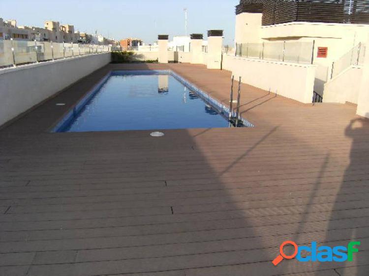 Piso con garaje y piscina