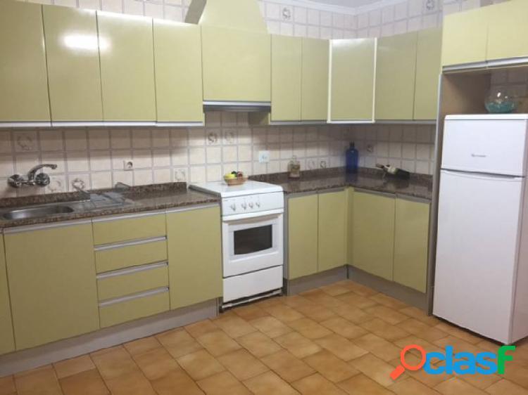 Piso en altabix con 4 dormitorios cocina grande