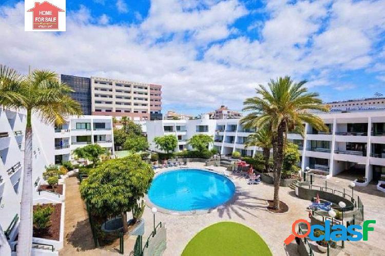 Apartamento de 85m2 con terraza en la mejor zona de la playa de las américas,
