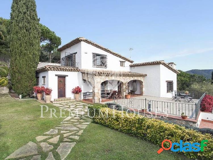 Estilo Masia con piscina y vistas - Costa BCN
