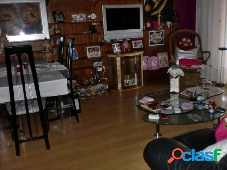 Se vende piso junto corte ingles, ascensor, materiales de 1ª calidad,