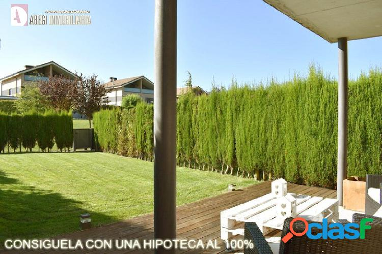 Chalet pareado en zuasti de 3 plantas con jardin de 150 metros