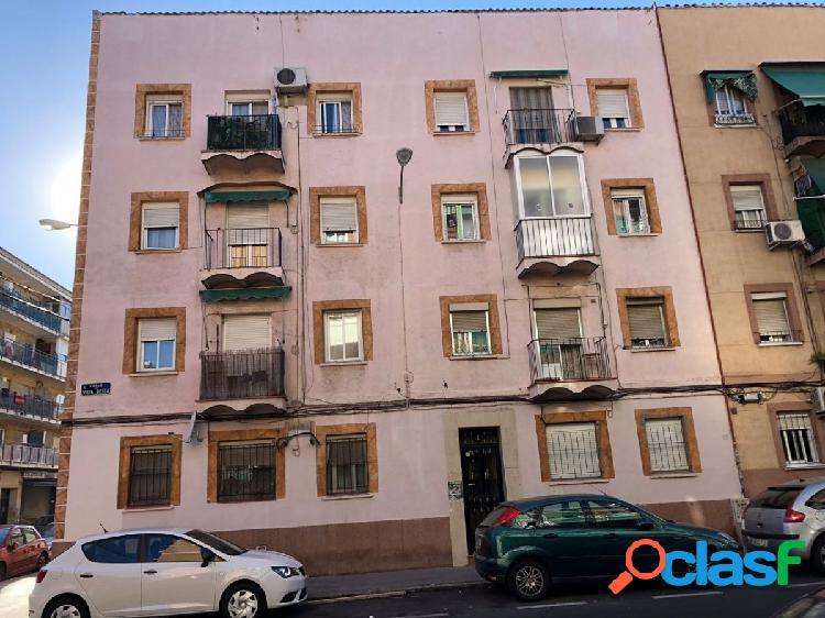 Piso en venta en calle vista bella, zona vista alegre, 28025 madrid.