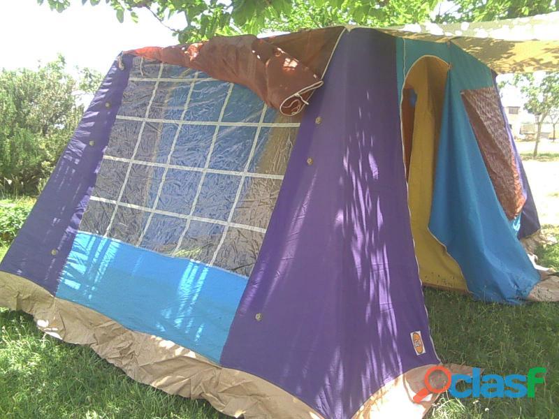 Tienda de campaña hca 4 plazas más 2 sacos de dormir. 3