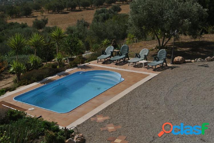Bonita casa de campo con piscina privada