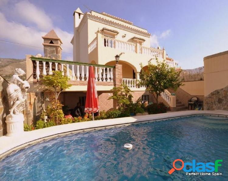 Villa situada en una tranquila zona residencial,