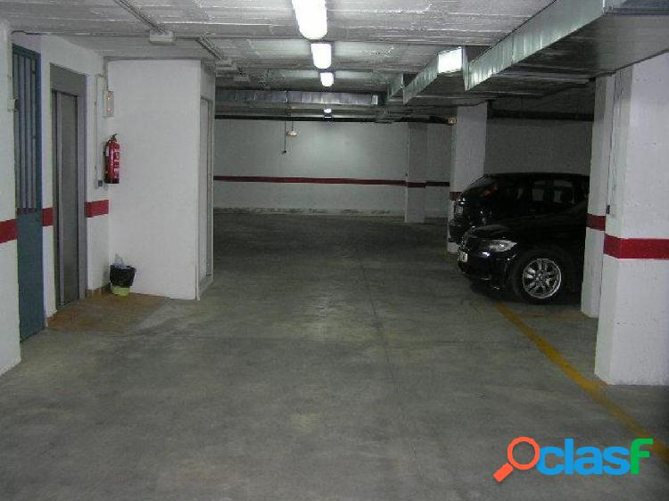 Piso muy nuevo con aparcamiento y patio cerca centro salud nuevo