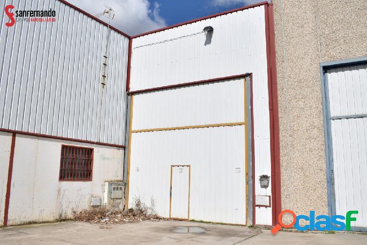 Se vende Nave en Polígono La Mora, La Cistérniga - VALLADOLID. 296 m2 - 106.000€