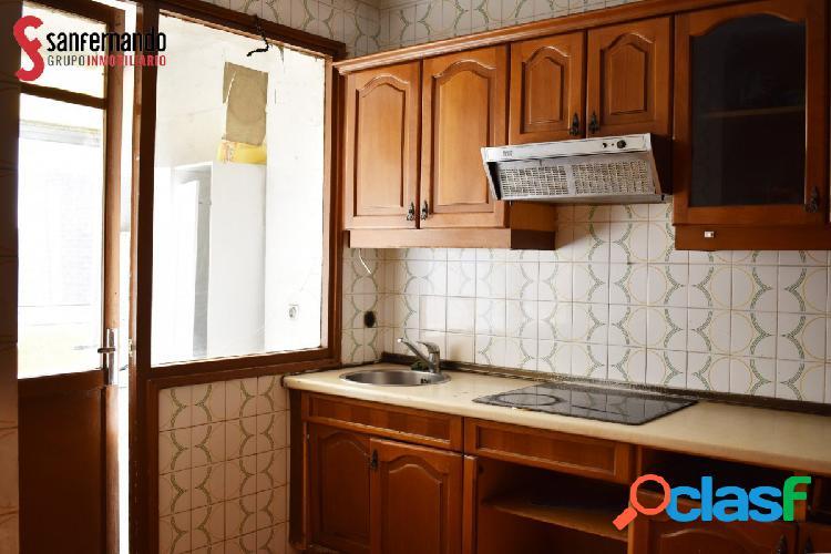Se vende piso en Delicias - VALLADOLID. 3 Dorm / 1 Baño. 95.000€