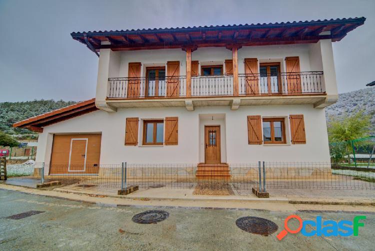 Casa a estrenar en Saigos a tan solo 22km de Pamplona.
