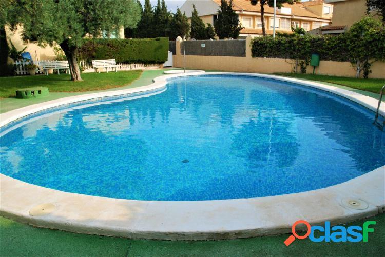 Bungalow en pequeña urbanización con piscina, la font