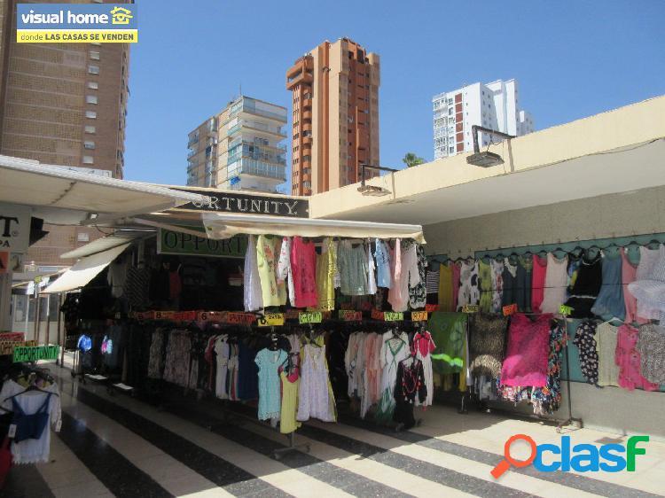 Local comercial 2ª linea de playa, avenida mediterráneo en zona de paso listo para negocio
