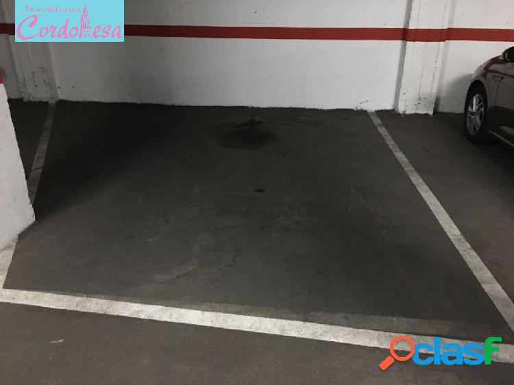 Plaza de garaje cerrado en ciudad jardin