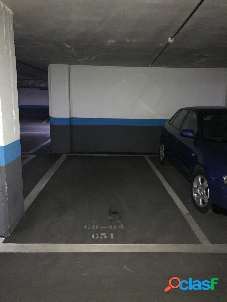 Look[amp;]find sanchinarro vende plaza de garaje