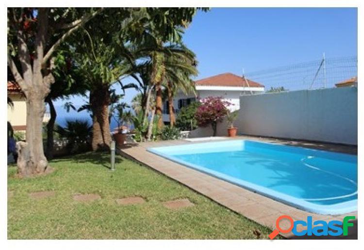 Chalet independiente - 5 dormitorios - Barranco Hondo (Candelaria)