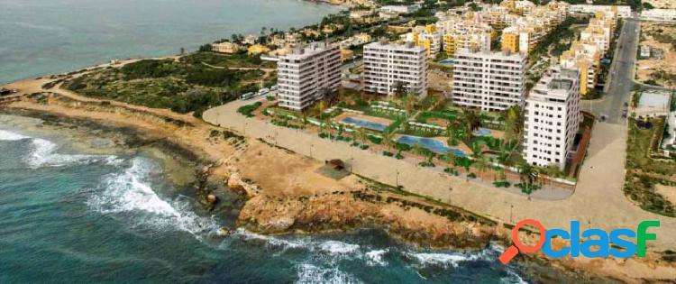 Apartamentos de lujo en primera linea de punta prima con vistas al mar.
