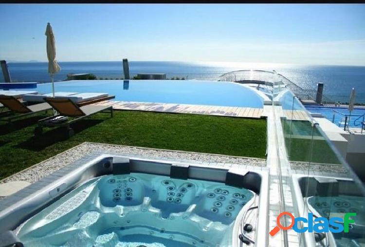 Apartamento de lujo bajo con gran terraza y vistas al mar en arenales del sol