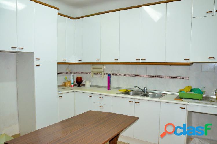 Casa en dos planta económica en venta con 45 m2 de patio en santomera, murcia.