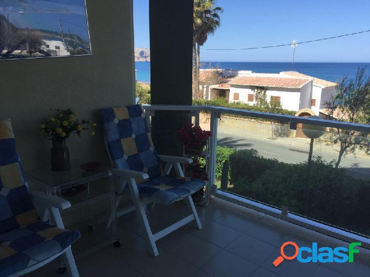Bonito apartamento con vista al mar, javea