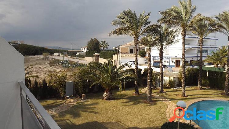 Oportunidad apartamento en primera línea de playa en dénia (costa blanca)