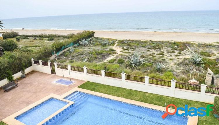 Apartamento con vistas frontales al mar en dénia. costa blanca