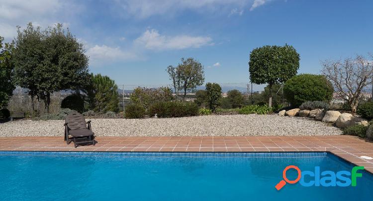 De diseño, con piscina, tranquilidad y vistas en sant quirze del vallès.
